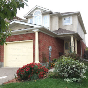 Cambridge detached house for rental close to 401