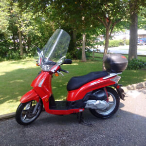 2008 Kymco Scooter - 200s