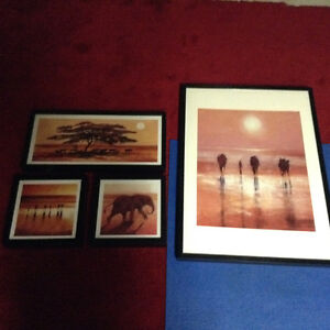 Set of 4 prints with frames