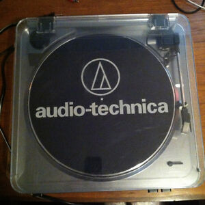 Audio-Technica AT-LP60 Fully Automatic Belt Driven Turntable USB