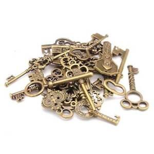 100g Antique Vintage Old Look Bronze Skeleton Keys Fancy Heart Bow Pendant