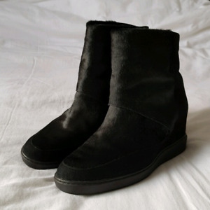 Vince Leather Boots - Size 6.5 - Excellent condition