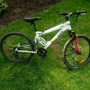 "24"" CCM Mountain Bike - full Suspension"