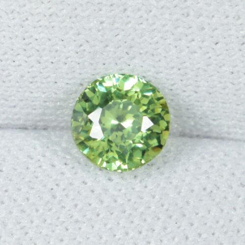 0.77 ct DAZZLING LUSTER YELLOW GREEN - NATURAL DEMONTOID GARNET ROUND - See Vdo
