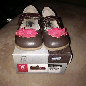 Brown girly shoes, size 8