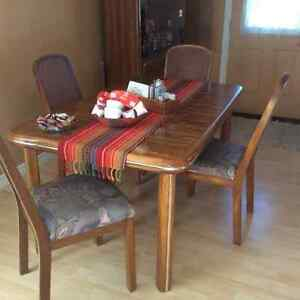 Oak dining room set 500 dining tables and sets for Dining room sets under 500 00