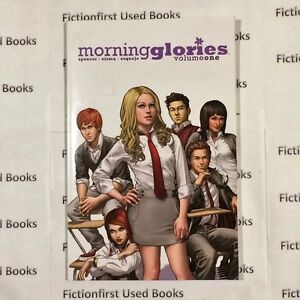 "Graphic Novel: ""Morning Glories Vol 1"""