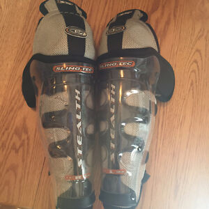 Hockey shin pads - Easton Kitchener / Waterloo Kitchener Area image 1