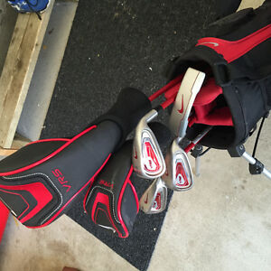 Kids NIKE Right Handed VR5 Clubs and Bag London Ontario image 1