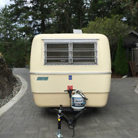 1974 13ft Trillium Fiberglass Travel Trailer