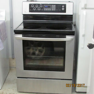 Stainless Steel Stove .. SELF CLEAN ... FLAT TOP ... CONVECTION