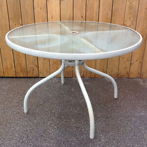 """40""""D Patio Glass Top Table - good condition"""