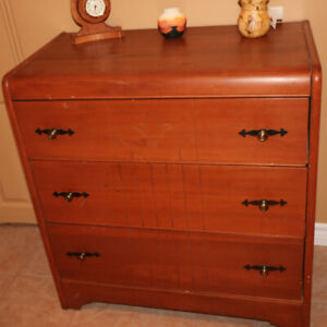 Antique Dress with 3 drawers in great condition.