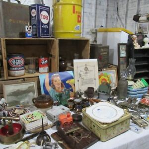 Sunday Morning Antiques & Collectables Flea Market