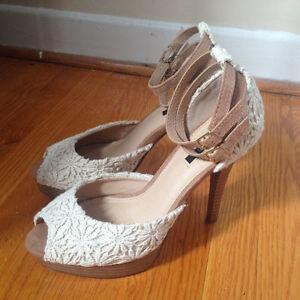 Heels size 6.5 / 7  - Never worn!
