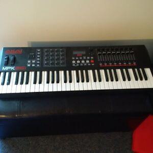 Akai mpk261 midi controller keyboard
