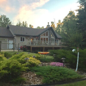 Stunning Acreage Home 5 minutes to Sherwood Park