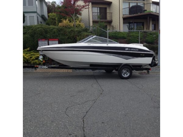 Used 2010 Larson Sports LX 1750 Bowrider