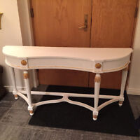 Bombay White and Gold Console