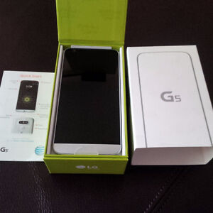Like New LG G5 With 32 GB Memory And Protective Case!Telus/Koodo