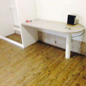 Student Rooms Unit Large Rooms University 1 month free INCLUSIVE Kitchener / Waterloo Kitchener Area image 5