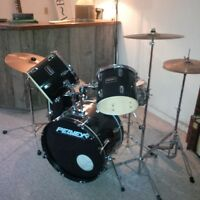 Peavy 5 piece drum set