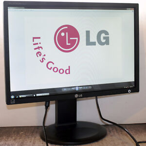 LG Flatron E2210 22 inch Widescreen LED Monitor for Computers
