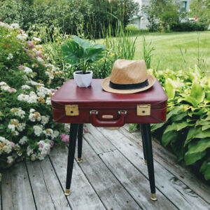 Table de chevet / Table d'appoint / side table / night table