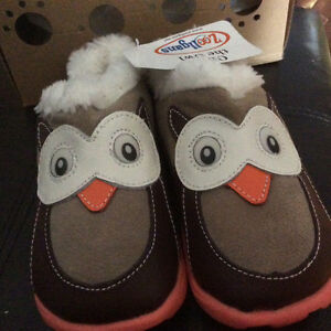Adorable owl shoes/boots