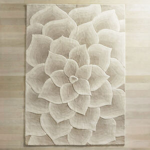 Pier 1 Import Wool Hand-tufted-dubbed Ivory Rose Rug  9'W x 12'L