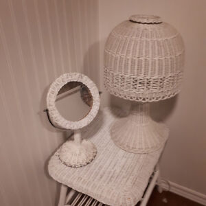 Vintage white wicker shabby chic lamp table mirror