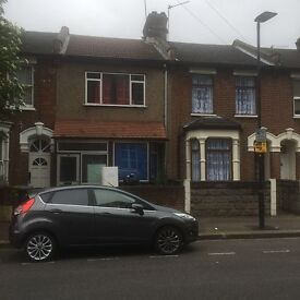 3 BED TERRACE HOUSE: RANELAGH ROAD STRATFORD E15 3DP - EXCLUDE BILLS