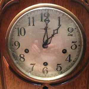 Quality-Crafted Vintage Mahogany Clock for Sale