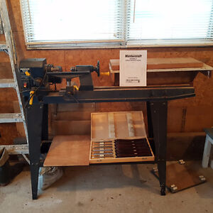 Variable Speed Wood Lathe with Carving Tools