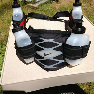 Nike Storm 4-bottle Waist-Pack