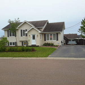 House in Dieppe - Open concept - smoke free home