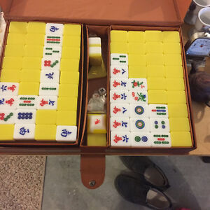 Great condition Mahjong set