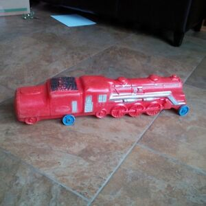 Rare 1950s Reliable Red Plastic Pull Train Toy
