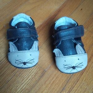 Jack & Lily walking shoes 6-12 months