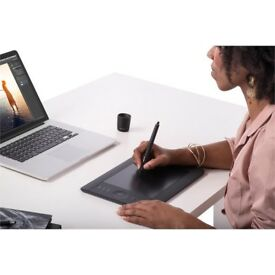 Intuos Pro Small Graphics Tablet
