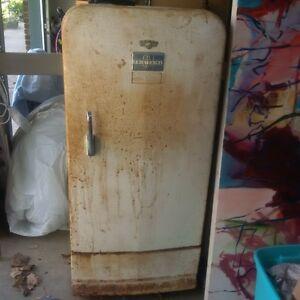 1940-50 GM fridge