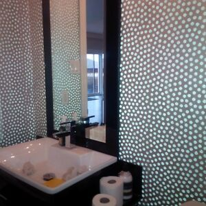 EXPERIENCED FEMALE PAINTER AND WALLPAPER HANGER! Cambridge Kitchener Area image 1