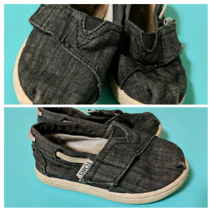 448a19dfce Tiny Toms | Kijiji in Ontario. - Buy, Sell & Save with Canada's #1 ...