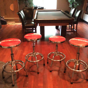4 x brand new Snap On swivel bar stools