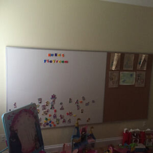 Large magnetic whiteboard/cork