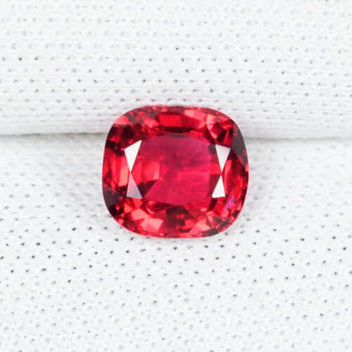 0.90 ct TOP LUSTROUS PINKISH RED 100% NATURAL SPINEL - Cushion See Vdo # 8516-3