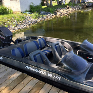 JAVELIN RENEGADE 18 F/S with Johnson 150hp