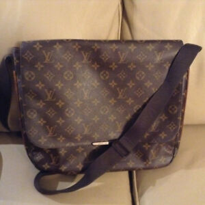 Louis Vuitton Vintage Monogram Messenger Bag ba0a4d60b08e6