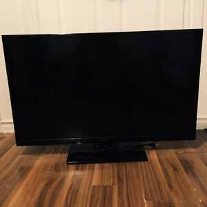"Insignia 35"" Flat Screen TV"