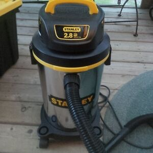 Stanley 5 gallon Shop Vac